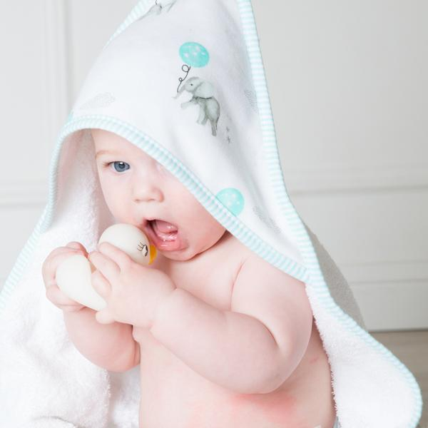 Baby-and-duck-elephant-towel-grande