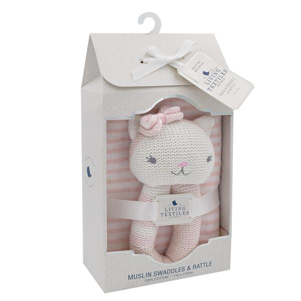 Daisy-the-cat-and-blush-pink-muslin-swaddle-gift-set-packaging-web-grande